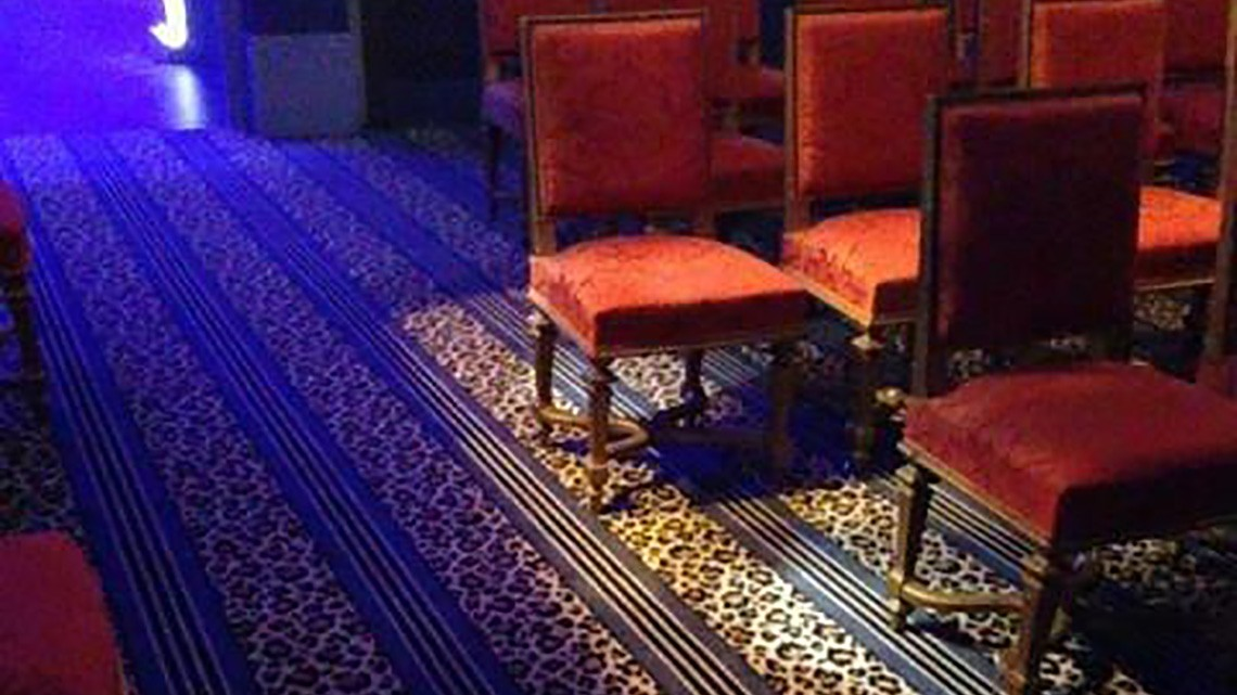 Exposition des freres lumiere grand palais moquette for Salon indien