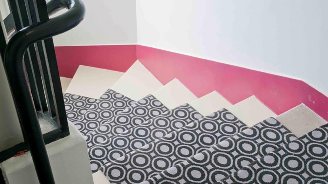 Escalier Tapis D Escalier Motif Noir Et Blanc Codimat Codesign