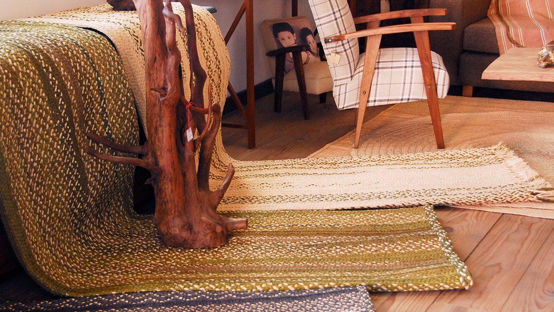 Présentation de tapis en rafia fibre naturel