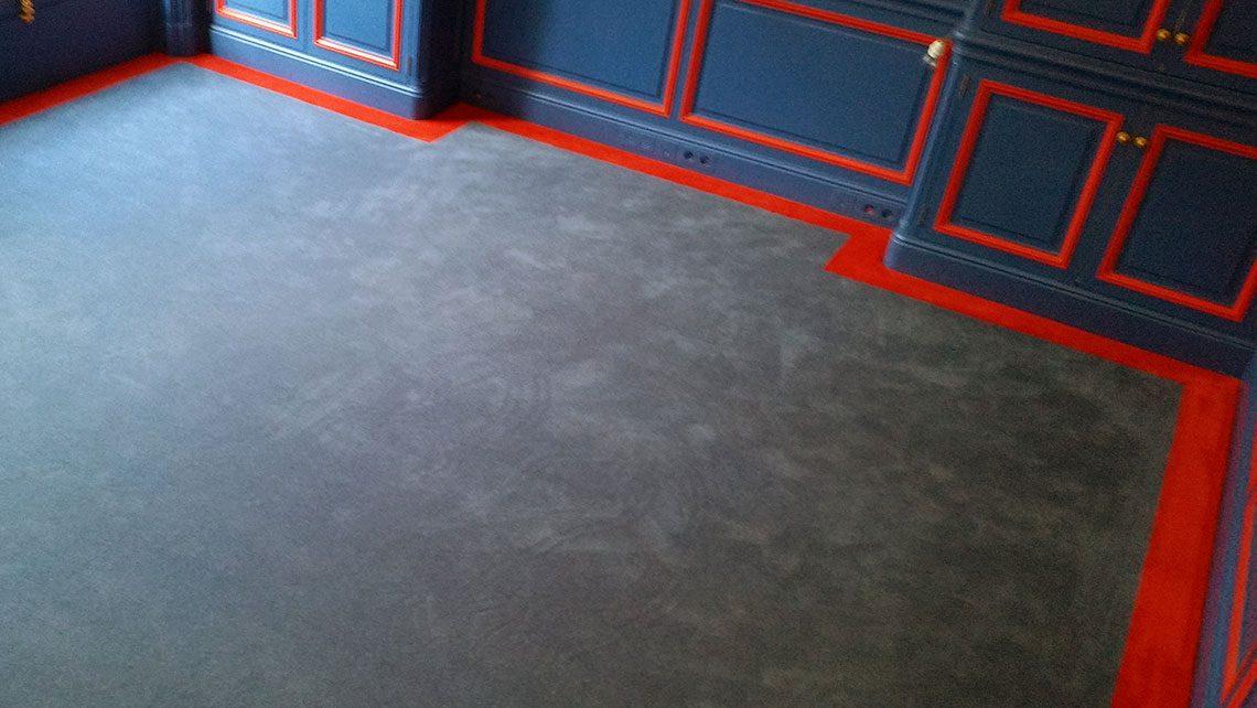 moquette grise bordure rouge 100% laine Codimat