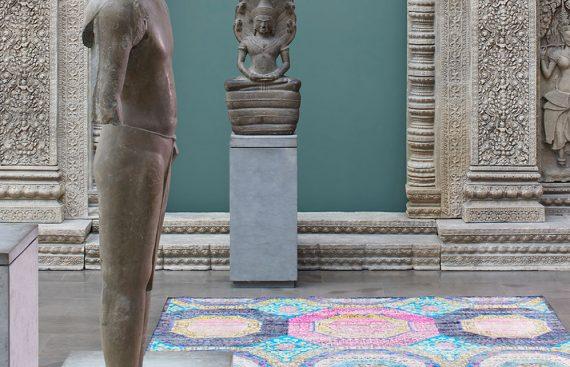 tapis coloré en soie au musée Guimet