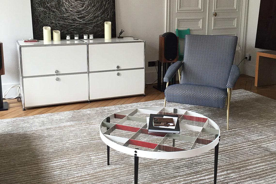 asseyons nous quatre jeunes femmes s lectionnent tissus et tissages. Black Bedroom Furniture Sets. Home Design Ideas