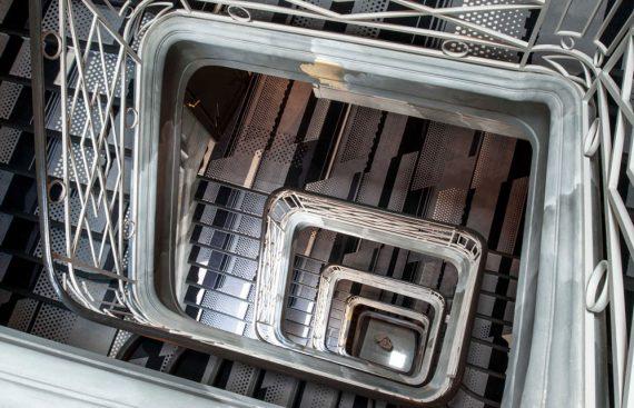 Tapis d'escalier Codimat motif art déco gris